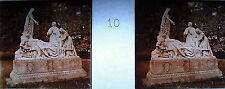 Photographie le groupe sculpture du Salus Infirmorum à Lourdes vers 1920