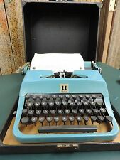 Vintage Underwood Golden Touch~ Jewell~ Portable Typewriter in Case