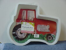 INTERNATIONAL HARVESTER PANTASTIC TRACTOR CAKE PAN