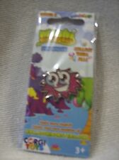 Moshi Monsters pin badge  Iggy