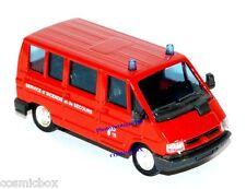 Camion de pompier RENAULT Trafic service incendie et secours SOLIDO fire truck