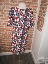 BNWOT STUNNING DRESS SIZE 22 -24 IN WHITE WITH BOLD PATTERN RED & NAVY - TRENDY