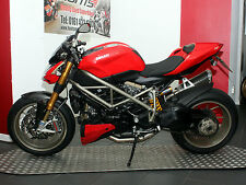 Ducati Streetfighter 1100S. Termignonis, Ohlins, Brembos. Carbon Extras. £8,895