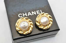 Authentic  CHANEL Clip-On Earrings Goldtone #S1495 E