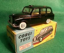CORGI 418 AUSTIN FX4  -  In Original Box LISTING ENDS 26/2/17