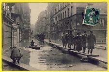 cpa 75 PARIS INONDATION CRUE de la SEINE Rue BELLECHASSE Passage sur PASSERELLE