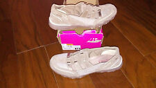 NEW $64 Womens Skechers Venturer Shoes, size 11