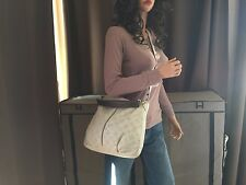 Auth Louis Vuitton Ivory Mahina Leather Selene PM Shoulder Bag Cross Body
