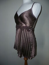 B.Young top brown metallic size small