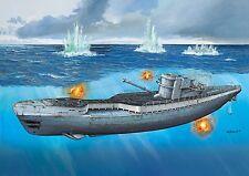 REVELL 1:72 05133 TYPE IX C/40 (U 190)U-BOATGERMAN SUBMARINE & German Crew 02525