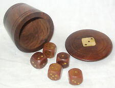 NEW WOODEN DICE CUP SHAKER AND LID WITH 5 WOOD DICE BROWN GOLD G150J