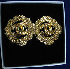 Authentic Chanel gold-tone CC logos made in France clip-on earrings 1995