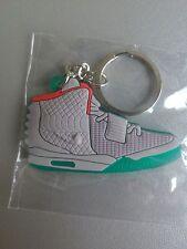 porte clef neuf Nike air yeezy grey solar