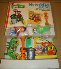 SESAME STREET MOTORBIKE PLAY SET - KNICKERBOCKER TOY CO. 1976 (MUPPETS)