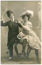 CARTE PHOTO. SPECTACLE. THéATRE. JOLIE ROBE. CHAPEAU. PRETTY DRESS. HAT.THEATER