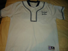 NEW Boy's size XL 16-18 New York Yankees  wit Embroidered Logo & Henley Shirt