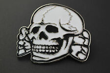 WHITE SKULL METAL BELT BUCKLE CROSSED BONES