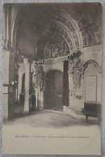 """CPA """" BAYONNE - Cathédrale - Porte d'Intérieur de la Sacristie"""