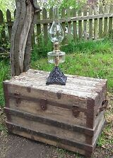 Beautiful Antique Old English Victorian Table Oil Lamp on Cast Iron Base Vintage