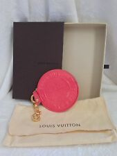 LOUIS VUITTON VERNIS TRUNKS & BAGS ROUND COIN WALLET KEYCHAIN Bag Charm CORAL