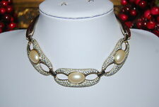 VINTAGE RUNWAY BOLD HIGH END GOLD TONED METAL & FAUX PEARLS RHINESTONES NECKLACE