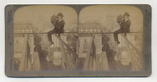 1905 MAN PHOTOGRAPHING NEW YORK ON SLENDER SUPPORT OVER CITY STEREOVIEW PHOTO