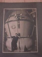 VTG 8 X 10 B&W PHOTO PICTURE OF MAN AT WORK BROWN & MILLER JERSEY CITY HELP I.D.