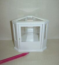 Miniature Corner Display Cabinet/Store (White Case with Trim): DOLLHOUSE 1/12