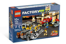 Lego 10200 Custom Car Garage ** Sealed Box ** Factory Racers 893 Pcs * Rare