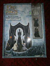 """LORD OF THE RINGS BATTLE SCENE ORTHANC CHAMBER AT ISENGARD W/THREE 2.5"""" FIGURES"""