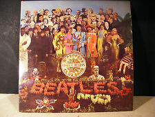 ORIGINAL 1967 BEATLES Sgt PEPPER LONELY HEARTS CLUB BAND LP WITH CUT OUT.