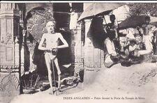 Carte postale ancienne INDE INDIA fakir porte du temple de shiva