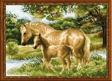 COUNTED CROSS STITCH KIT RIOLIS - A HORSE WITH A FOAL
