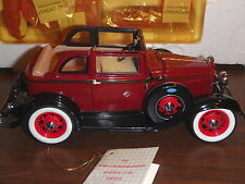 Franklin Mint 1932 Ford Convertible Sedan Bonnie & Clyde Edition 1:24 Scale Car