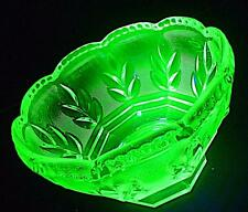 STUNNING LARGE ART DECO WALTHER WILHELM URANIUM GREEN GLASS FRUIT BOWL DISH