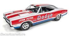 AUTOWORLD AW222  1969 DODGE CORONET SUPER BEE (JOHN PETRIE SS/E) 1/18 DIECAST