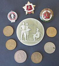 lot insignes medailles  Russie Russe Sovietique monnaies roubles modernes