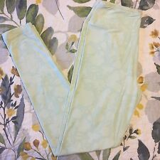 NWT! LuLaRoe Soft Seafoam Green Vintage Floral Print Unicorn Leggings OS! Pretty