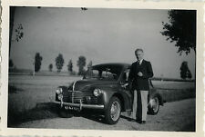 PHOTO ANCIENNE - VINTAGE SNAPSHOT - VOITURE AUTOMOBILE RENAULT 4CV HOMME - CAR