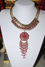 LARGE BOLD RUNWAY COUTURE RED STONED PENDANT GOLD TONED METAL CHAIN BIB NECKLACE