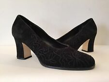 VINTAGE CARRIAGE COURT BLACK FINE SUEDE WOMENS HEEL SHOES SIZE 8M EMILY STYLE