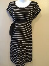 A Pea In The Pod Small Maternity Dress With Tie