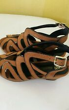 Girls RIVER ISLAND Tan wedge shoes / sandals. Size: 1