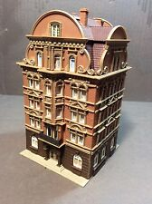 N Scale Large European Downtown Building