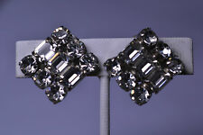 VINTAGE LA REL RECTANGULAR & ROUND RHINESTONE CLIP EARRINGS