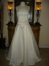 New Ivory Jessica McClintock Straps Embroidered Wedding/Formal Gown Size 8