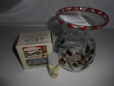 NEW~Yankee Candle~HOLLY & PINECONE GLASS OIL/TART/WAX BURNER/WARMER SET~NWT