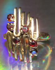 SECONDHAND 9ct YELLOW GOLD ABSTRACT GARNET RING SIZE O