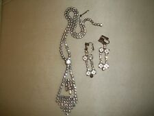 VINTAGE SPARKLY CRYSTAL GLASS NECKLACE AND CLIPON EARRINGS
