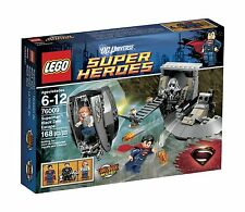 BNIB LEGO Super Heroes 76009 Superman Black Zero Escape Retired Super Man Set